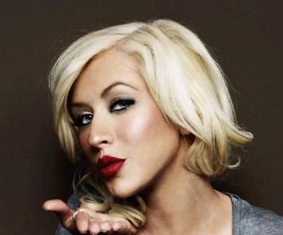 Christina Aguilera Fine Blonde Hair In Short Wavy Bob Hairstyle