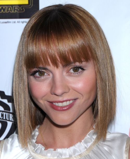 Christina Ricci's Light Brown Hair In Straight Bob Hairstyle