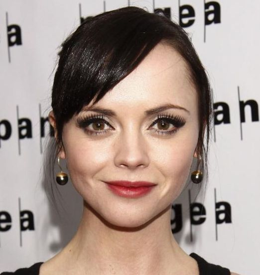 Christina Ricci's Straight Hair In Updo With Side Bangs