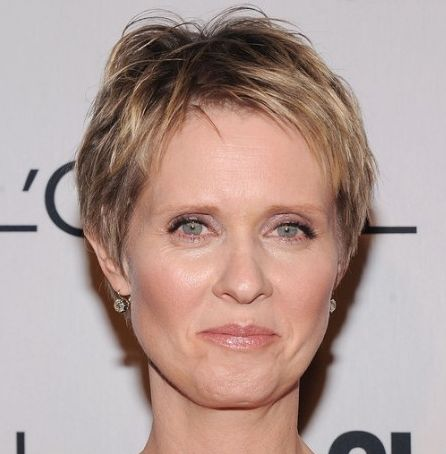 Cynthia Nixon's Straight Blonde Hair In Short Pixie Hairstyle