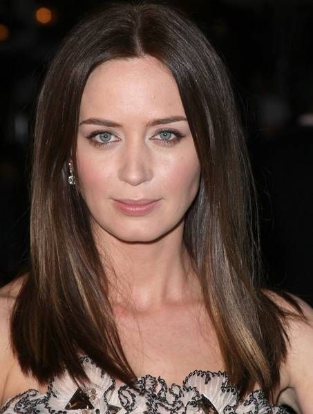 Emily Blunt's Sleek Straight Brown Hair In Long Bob Hairstyle