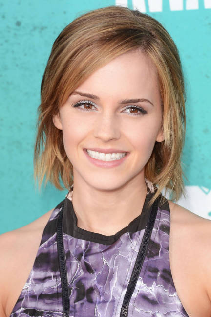 Emma Watson Cute Tousled Bob Hairstyle That's Great For Younger Women