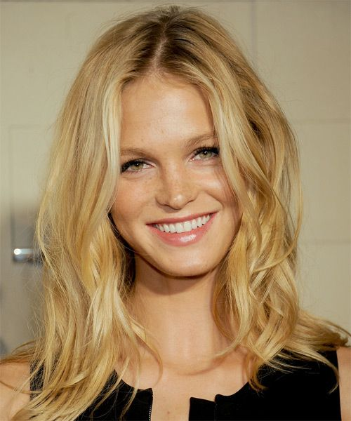 Erin Heatherton Blonde Beachy Hairstyle Casual Summer