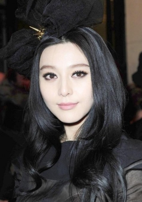 Fan Bingbing Romantic Jet Black Hair With Soft Big Curls At The Ends