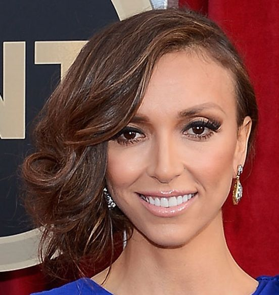Giuliana Rancic's Brown Hair In Sideswept Formal Wavy Updo