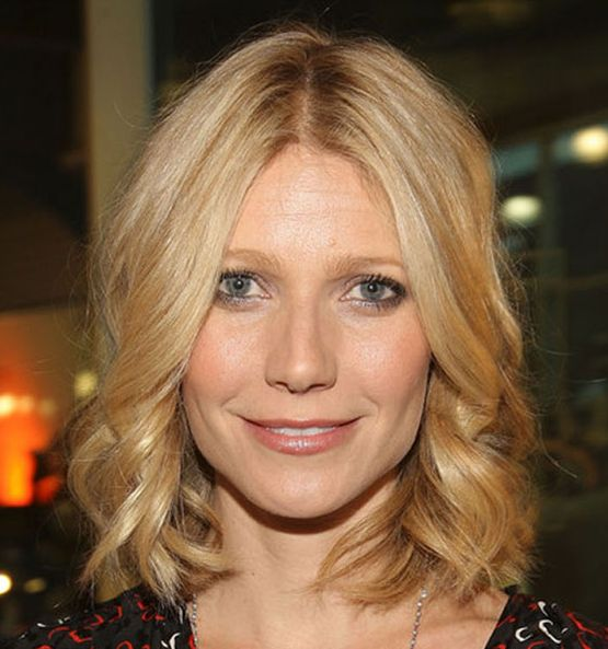 Gwyneth Paltrow's Light Blonde Hair In Medium-Length Wavy Hairstyle