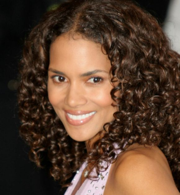 Halle Berry's Long Brown Hair In Spiral Curls Playful Hairstyle