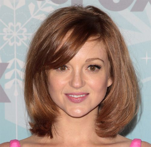 Jayma Mays's Red Hair In Medium-Length Turned-Under Bob