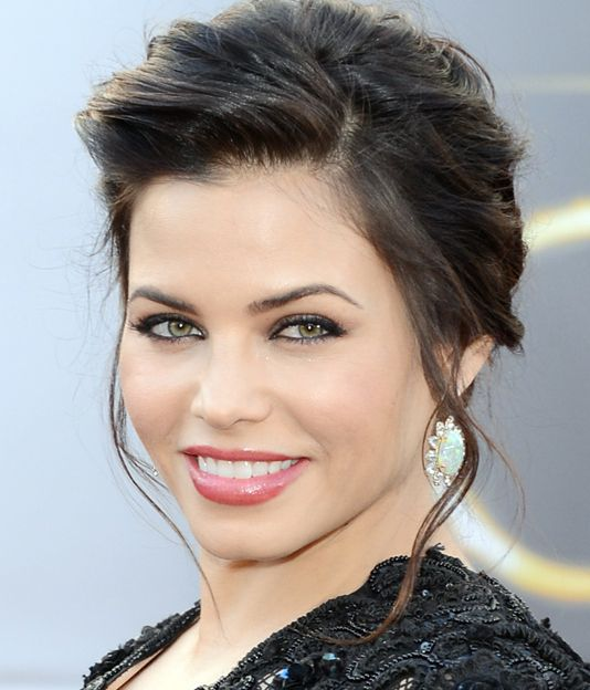 Jenna Dewan-Tatum's Brunette Hair In Romantic Formal Updo