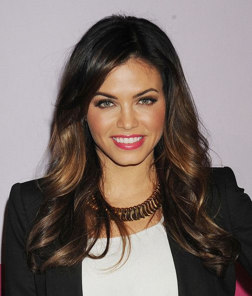 Jenna Dewan-Tatum's Long Brunette Hair In Layered Wavy Hairstyle