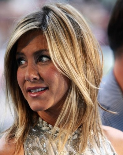 Jennifer Aniston Blonde Medium-Length Straight Pretty Layered Hairstyle