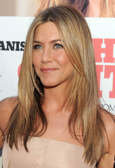 Jennifer Aniston's Long Straight And Sleek Layered Hairstyle