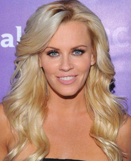 Jenny McCarthy's Blonde Hair In Long Wavy Hairstyle For Prom