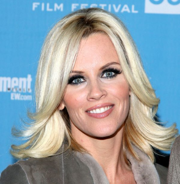 Jenny McCarthy's Blonde Hair In Medium Layered Flipped Out Hairstyle