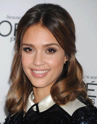 Jessica Alba's Hair In Almost Half-Up Hairdo For Fall