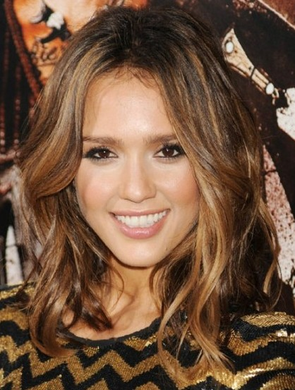 Jessica Alba Medium Length Brown Hair In Layered Wavy Hairstyle