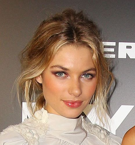 Jessica Hart's Blonde Hair In Loose Sexy Updo Hairdo