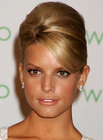 Jessica Simpson Straight Blonde Hair In Classic Teased Beehive Updo