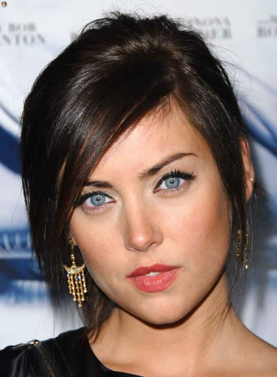 Jessica Stroup's Brunette Layered Hair In Updo With Sideswept Bangs