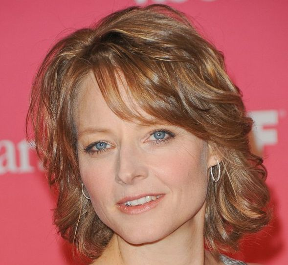 Jodie Foster's Blonde Hair In Short Layered Formal Mature Hairstyle
