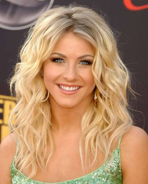 Julianne Hough's Blonde Hair In Long Loose Wavy Hairstyle