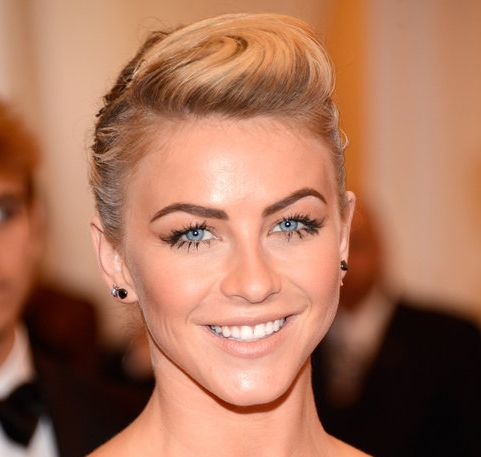 Julianne Hough's Blonde Hair In Pompadour Formal Updo Hairdo