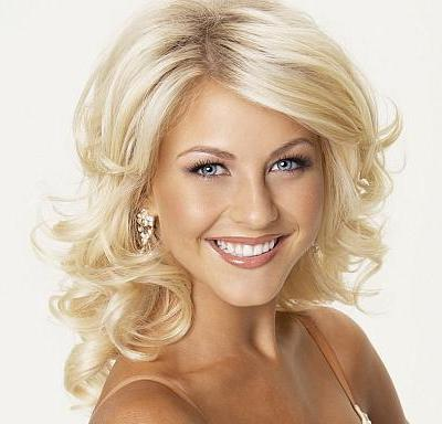 Julianne Hough's Medium-Length Blonde Hair In Curly Formal Hairstyle