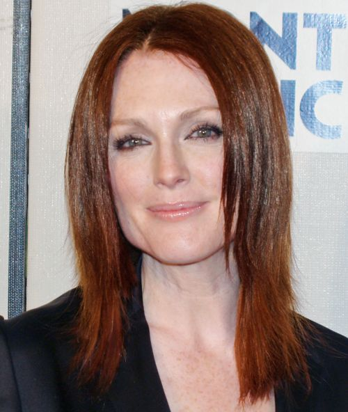 Julianne Moore's Auburn Hair In Sleek Straight Medium-Length Hairstyle