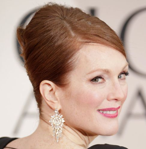 Julianne Moore's Straight Red Hair In Sleek Elegant French Twist