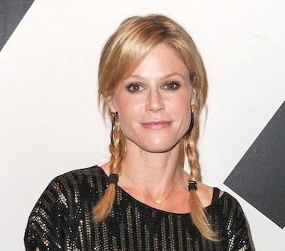 Julie Bowen Long Blonde Hair In Casual Pigtail Braids Hairdo