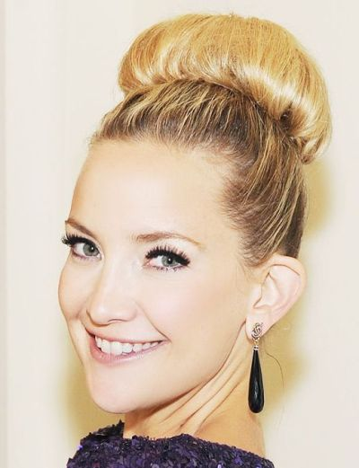Kate Hudson's Blonde Hair In Sleek Top Knot Bridal Hairdo