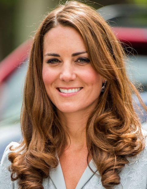 Kate Middleton's Long Brown Straight Hair With Curled Ends