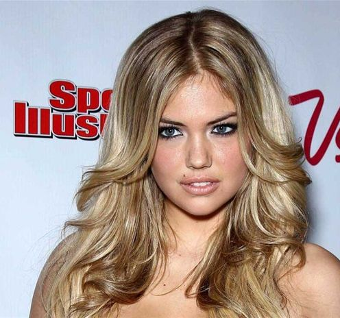 Kate Upton's Blonde Hair In Long Layered Hairstyle With Middle Part