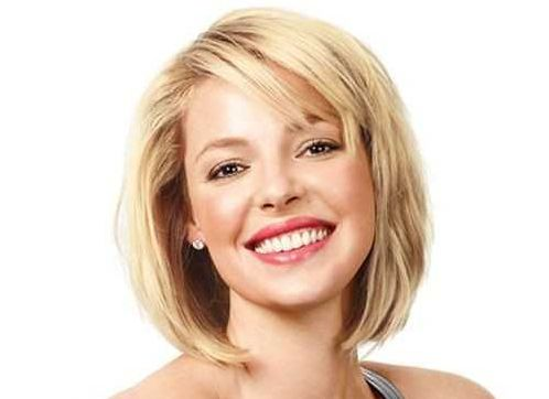 Katherine Heigl's Short Straight Blonde Hair In Cute Bob