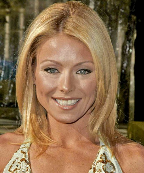 Kelly Ripa's Blonde Hair Cut In A Medium Straight Hairstyle