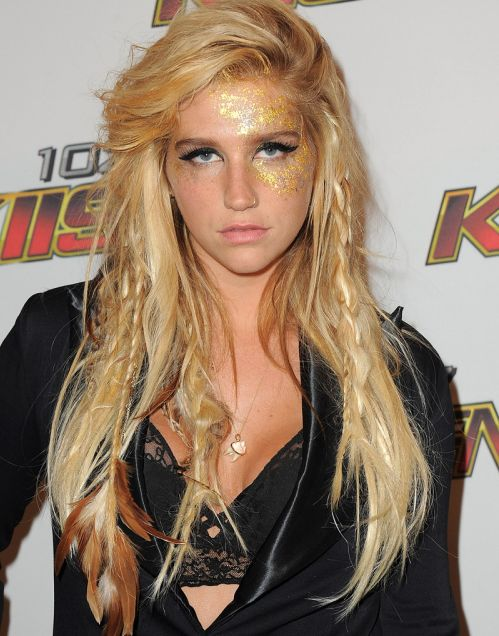 Kesha's Long Blonde Hair In Messy Hairstyle With Braids
