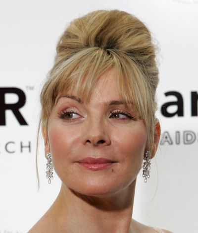Kim Cattrall's Straight Blonde Hair In Beehive Formal Updo