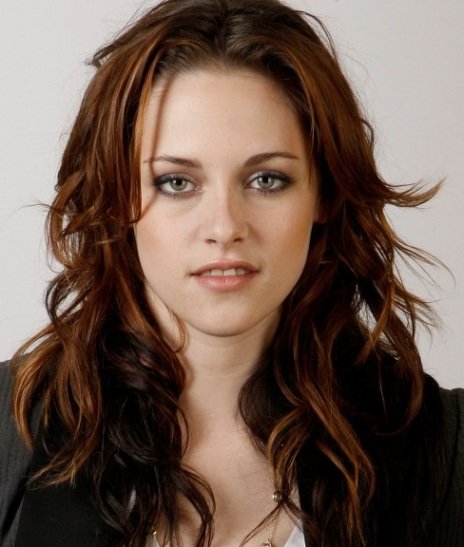 Kristen Stewart With Long Brown Messy Wavy Layered Hairstyle