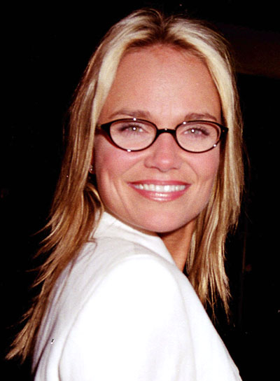 Kristin Chenoweth's Blonde Hair In Straight Choppy Shag Hairstyle