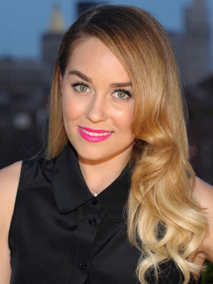 Lauren Conrad Sleek Long Blonde Hair With Femine S Waves