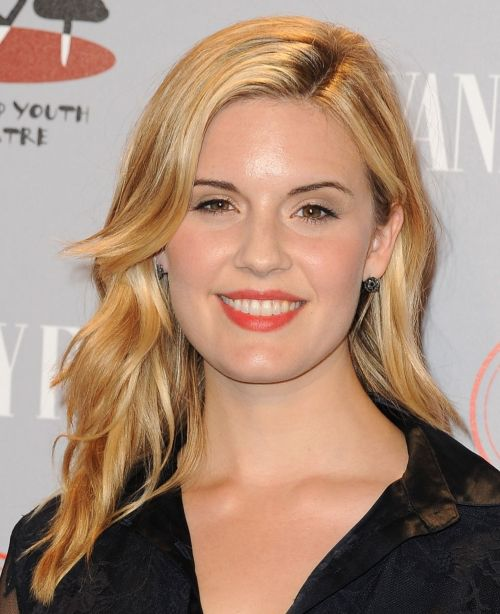 Maggie Grace's Long Blonde Wavy Hairstyle With Layers