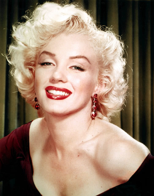 Marilyn Monroe's sexy blonde bob hairstyle