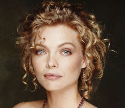 Asian Straight Layered Hair With Side Bangs Michelle Pfeiffer Curl...