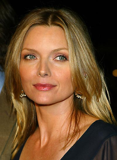 Michelle Pfeiffer's Blonde Straight Hair In Simple Layered Hairstyle