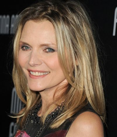 Michelle Pfeiffer's Medium-Length Blonde Hair In Casual Straight Hairstyle