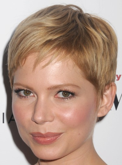 Michelle Williams Blonde Pixie Hairstyle Casual Summer Everyday