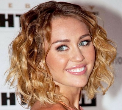 Miley Cyrus Blonde Wavy Hairstyle Casual Careforhair