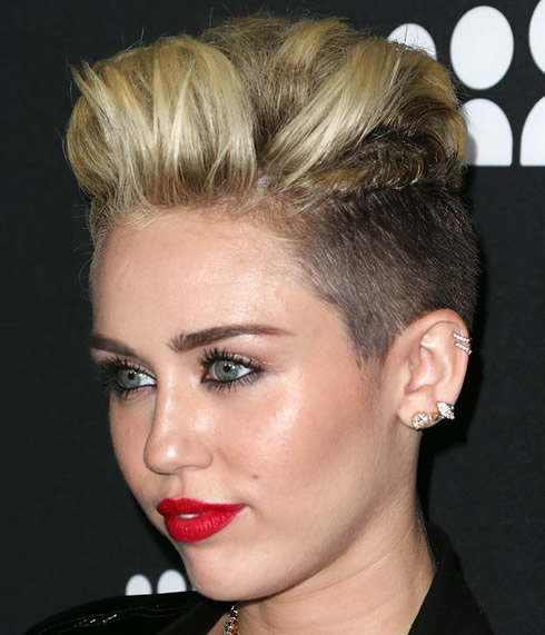 Miley Cyrus In A Rockstar Chic Short Hairstyle That Compliments Heart Shaped Face