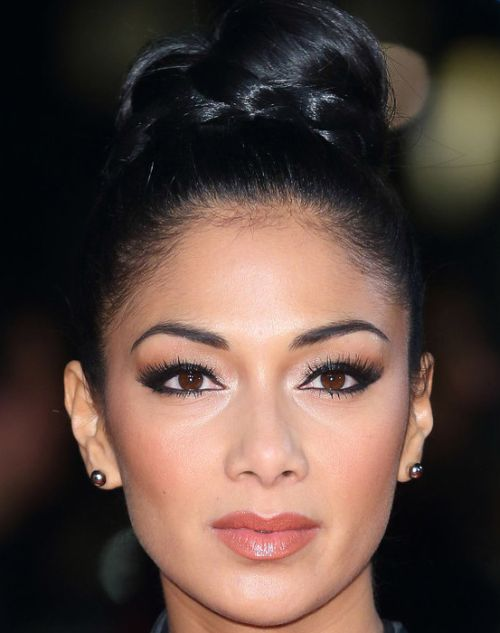 Nicole Scherzinger's Long Black Hair In Top Knot Hairdo