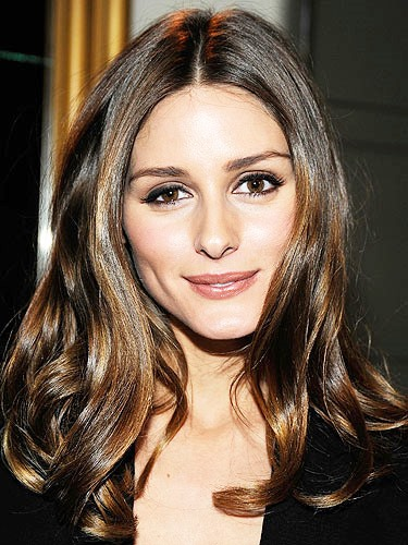 Olivia Palermo S Long And Layered Wavy Hairstyle Casual